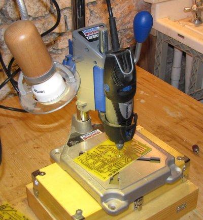 Perceuse colonne pour circuit imprime - Fabriquer perceuse a colonne ...